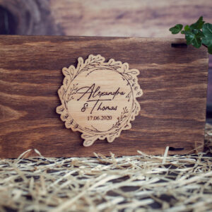 Cutie din lemn pentru stick USB + loc fotografii model 1 Wedding Name