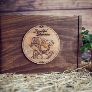 Album Foto / GuestBook cu coperti din lemn, VintageBox, model Proaspat casatoriti - Beautiful Memories